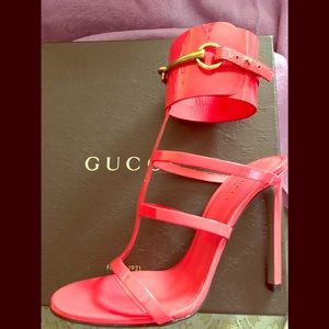 Gucci Vernice Begonia Pink Size 37 (7), brand new!